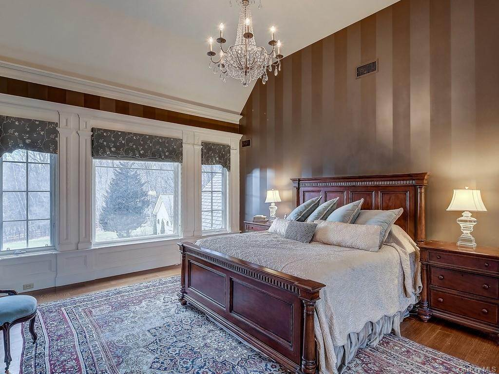 19. Residential for Sale at 7 Blanchard Drive Warwick, New York 10990 United States