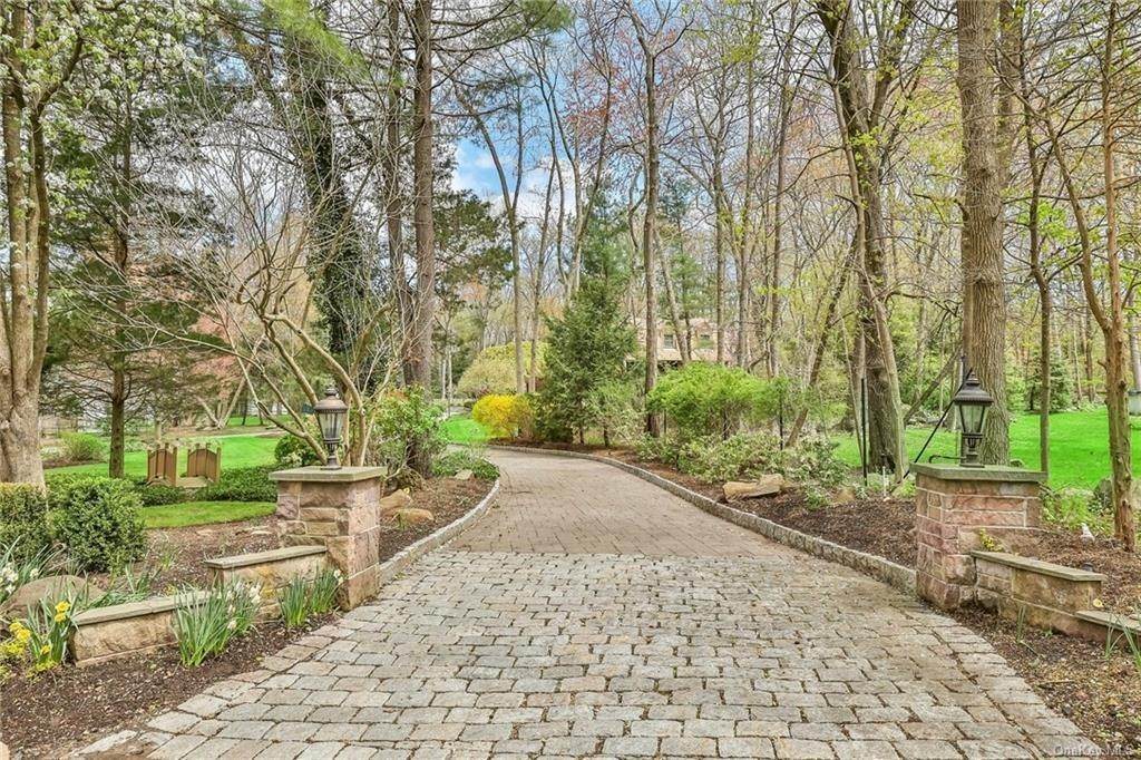 2. Residential for Sale at 1A Century Road Palisades, New York 10964 United States