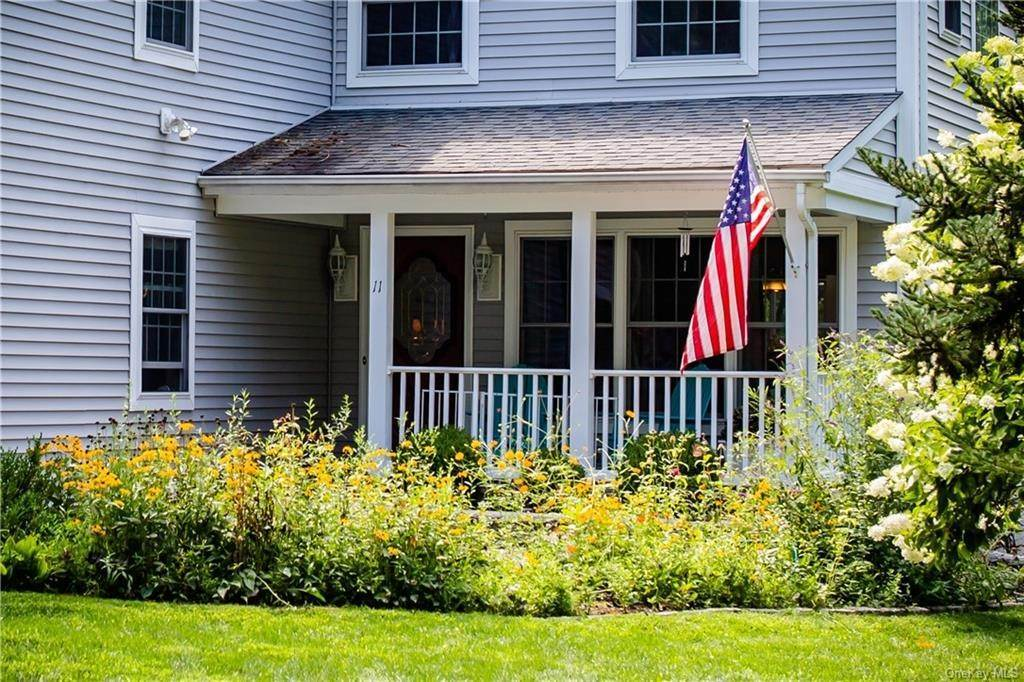 2. Residential for Sale at 11 Racoon Lane Cornwall, New York 12518 United States