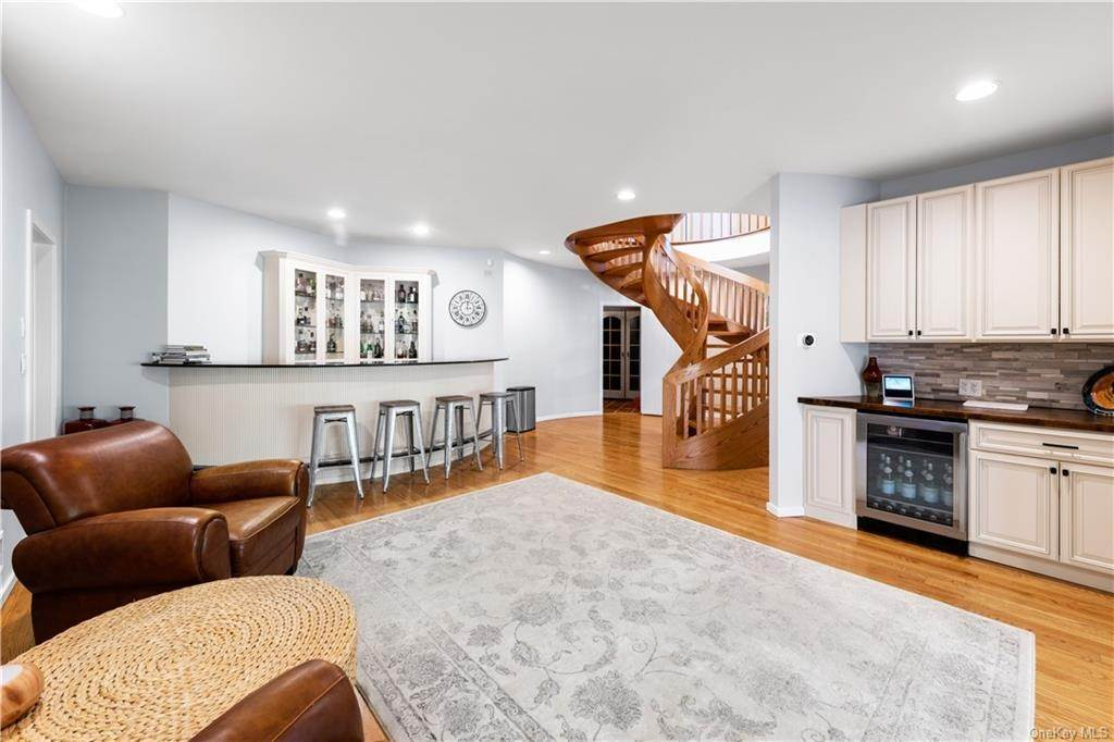 20. Residential for Sale at 354 Phillips Hill Road New City, New York 10956 United States
