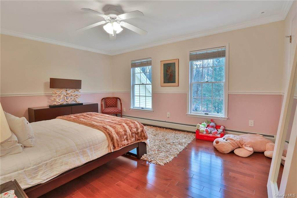 20. Residential for Sale at 281 Phillips Hill Road New City, New York 10956 United States