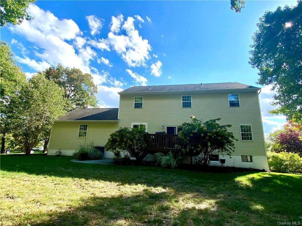 23. Residential for Sale at 30 Hampton Place, Cornwall, NY 12518 Cornwall, New York 12518 United States