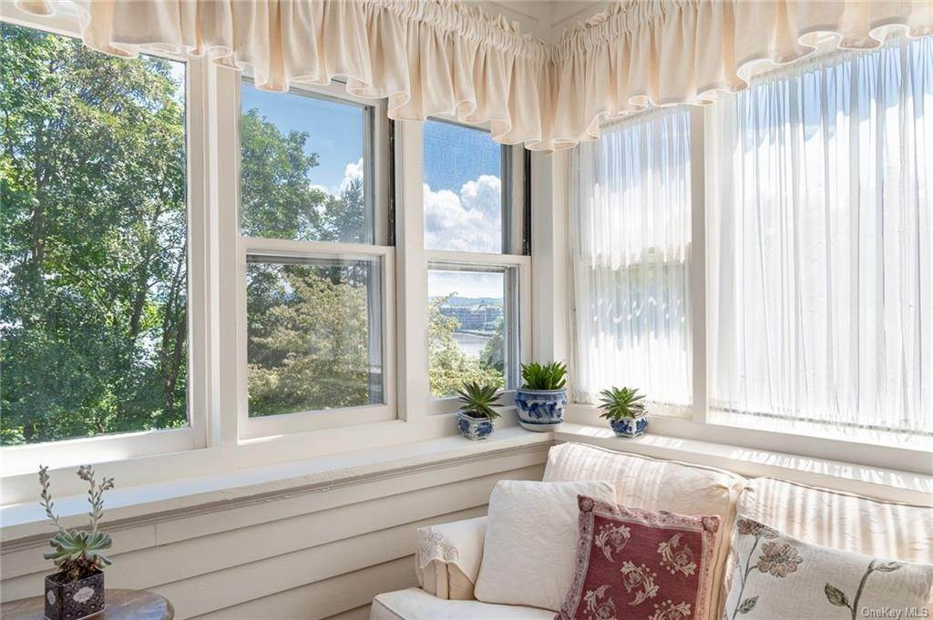 23. Residential for Sale at 230 Hudson Terrace Piermont, New York 10968 United States
