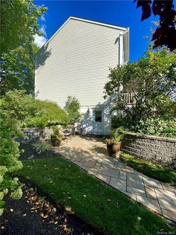 24. Residential for Sale at 30 Hampton Place, Cornwall, NY 12518 Cornwall, New York 12518 United States