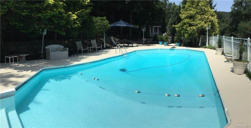 24. Residential for Sale at 2 Tomkins Ridge Road, Stony Point, NY 10986 Tomkins Cove, New York 10986 United States