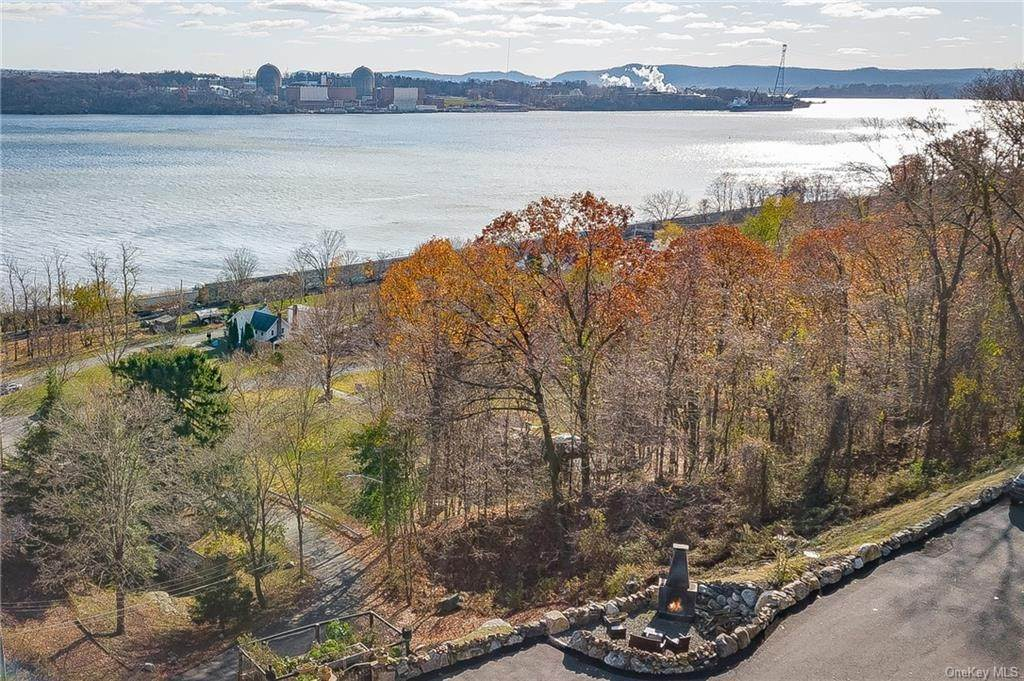 25. Residential for Sale at 4 Ayers Drive Tomkins Cove, New York 10986 United States