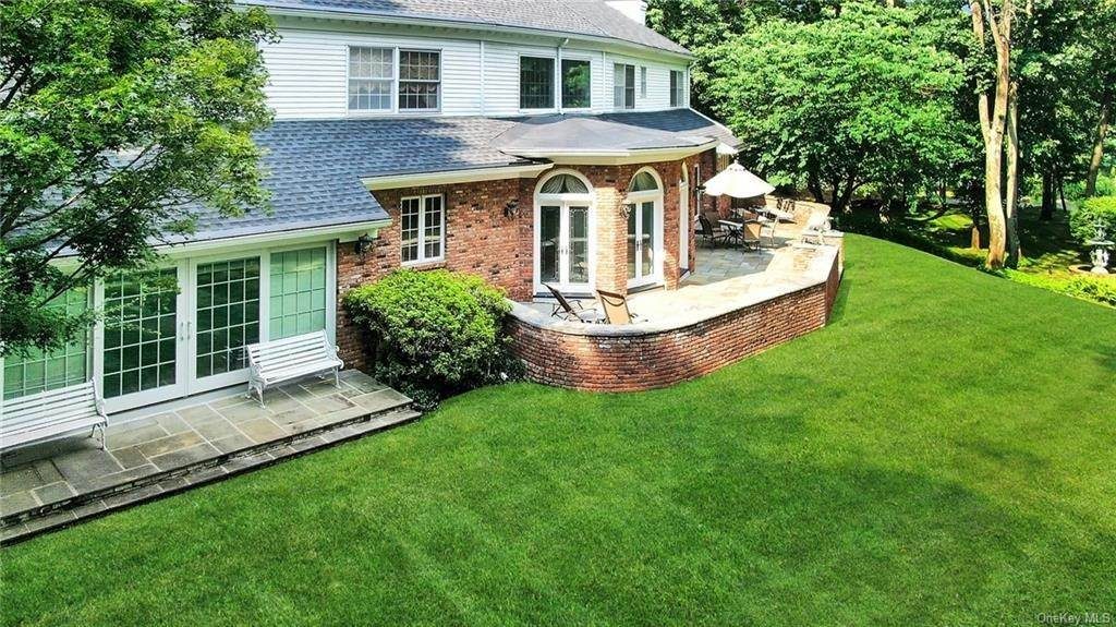 27. Residential for Sale at 17 Wee Wah Road Tuxedo Park, New York 10987 United States