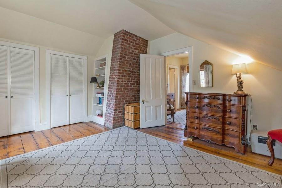 27. Residential for Sale at 7 Closter Road Palisades, New York 10964 United States
