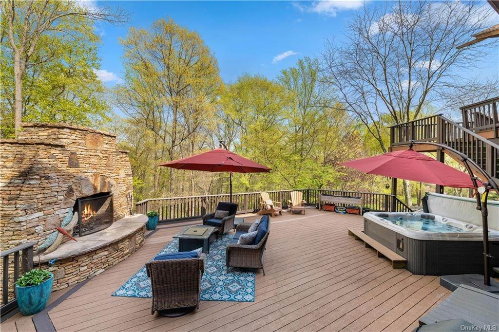 28. Residential for Sale at 354 Phillips Hill Road New City, New York 10956 United States