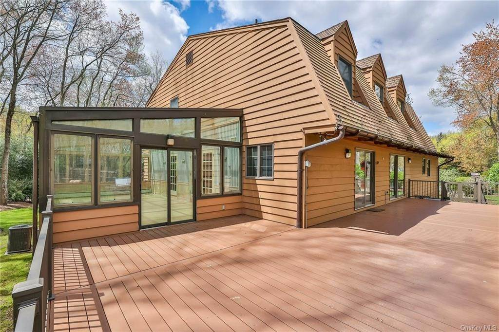 28. Residential for Sale at 1A Century Road Palisades, New York 10964 United States