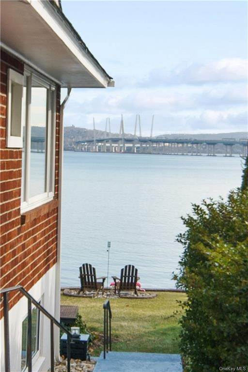 28. Residential for Sale at 5 Edgewater Lane Nyack, New York 10960 United States