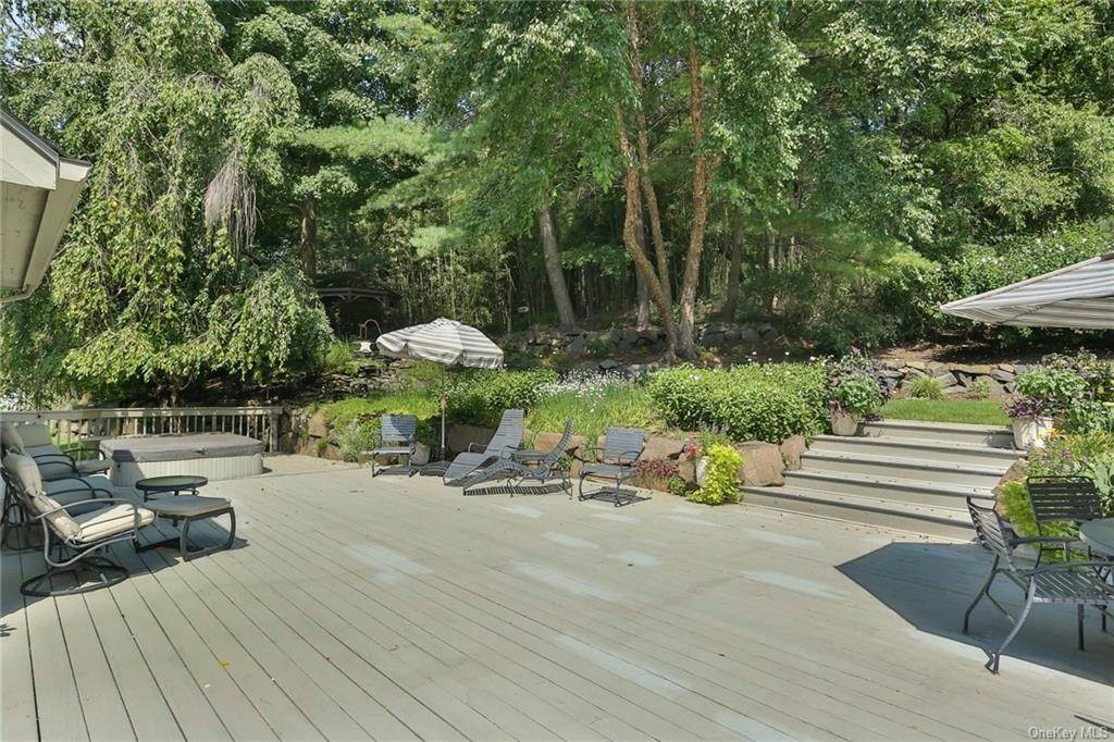 29. Residential for Sale at 649 S Mountain Road, Clarkstown, NY 10956 New City, New York 10956 United States