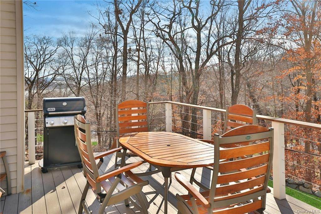 3. Residential for Sale at 7 Scandell Court, Stony Point, NY 10986 Tomkins Cove, New York 10986 United States