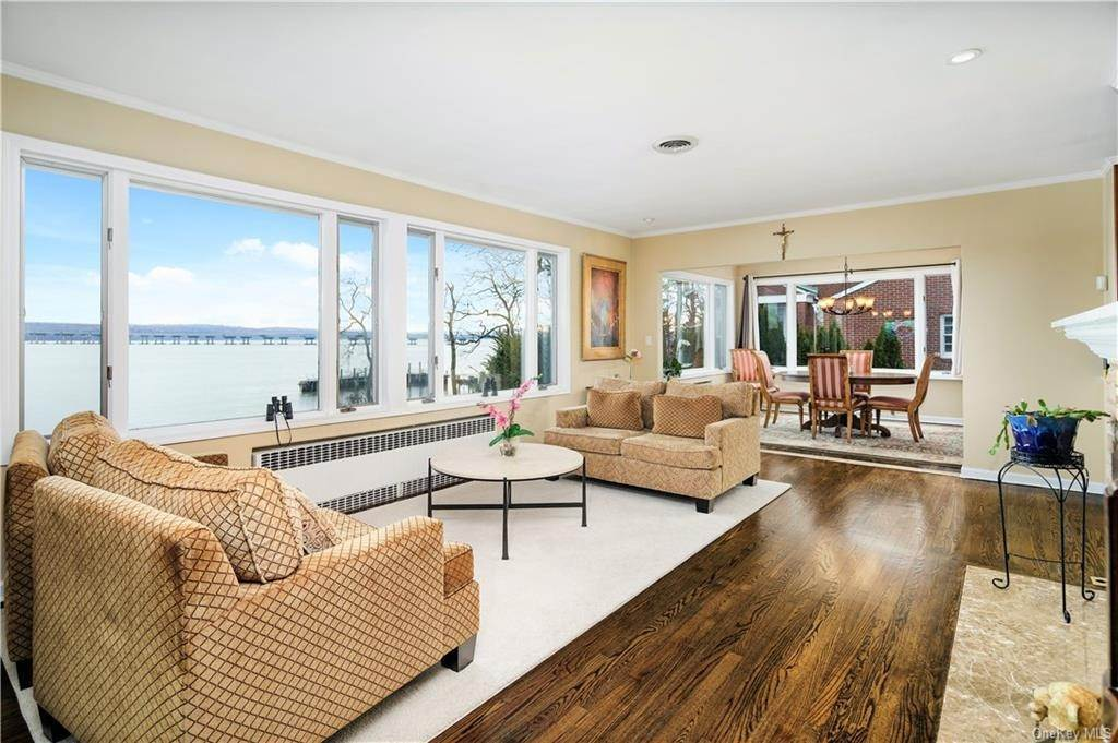 3. Residential for Sale at 5 Edgewater Lane Nyack, New York 10960 United States