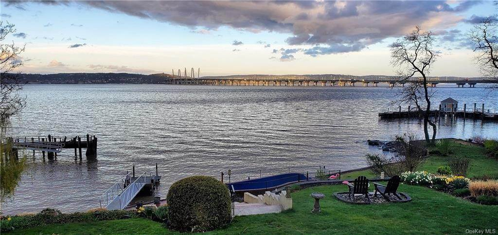 30. Residential for Sale at 5 Edgewater Lane Nyack, New York 10960 United States
