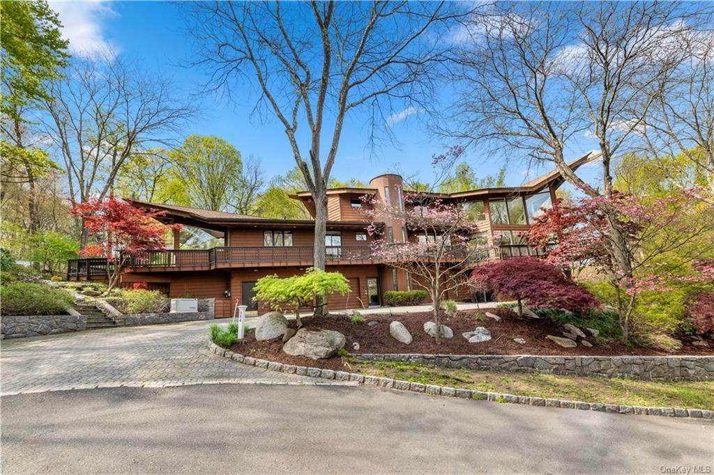 31. Residential for Sale at 354 Phillips Hill Road New City, New York 10956 United States
