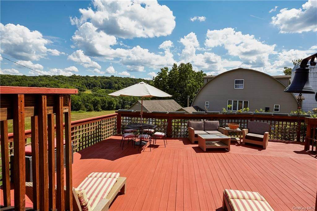31. Residential for Sale at 22 Taylor Road Warwick, New York 10990 United States