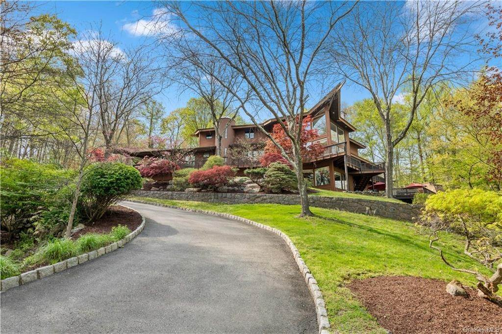 32. Residential for Sale at 354 Phillips Hill Road New City, New York 10956 United States