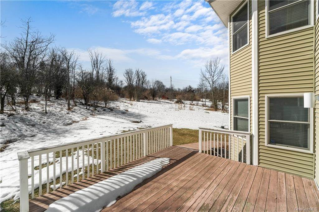 32. Residential for Sale at 86 Lower Reservoir Road Goshen, New York 10924 United States