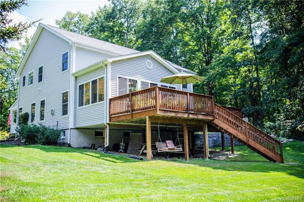 34. Residential for Sale at 11 Racoon Lane Cornwall, New York 12518 United States