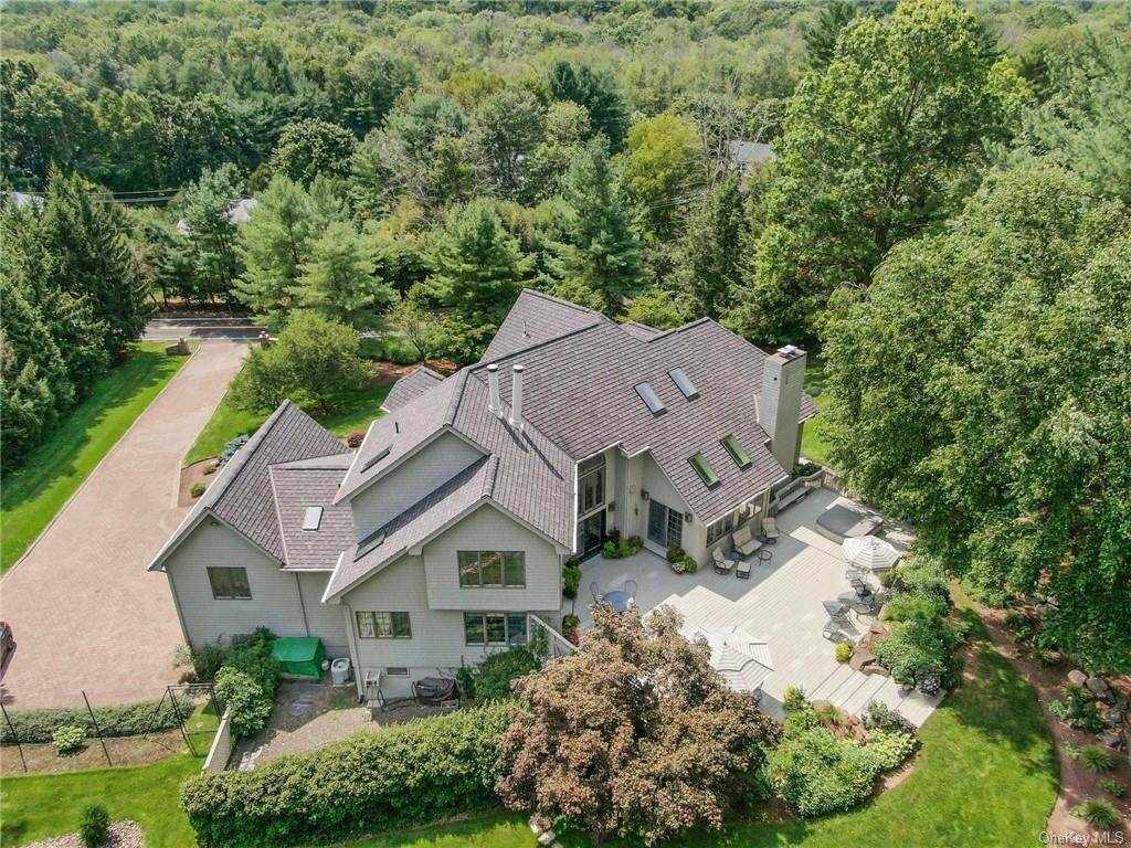 34. Residential for Sale at 649 S Mountain Road, Clarkstown, NY 10956 New City, New York 10956 United States