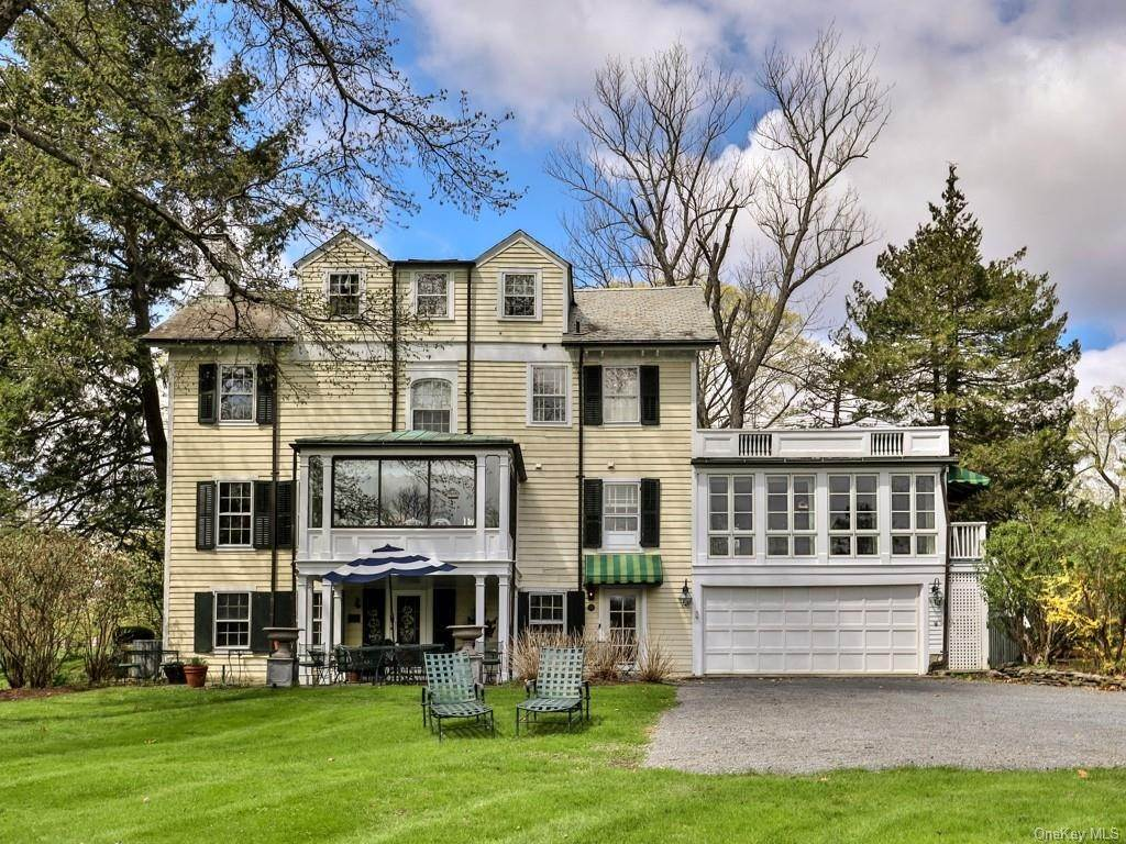 35. Residential for Sale at 34 Maple Avenue Warwick, New York 10990 United States