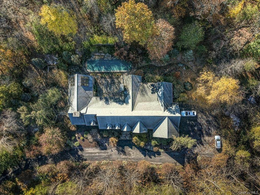 36. Residential for Sale at 21 Waterbury Road Warwick, New York 10990 United States