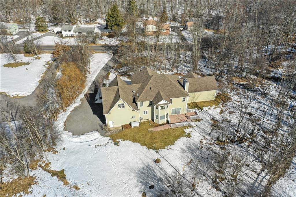 36. Residential for Sale at 86 Lower Reservoir Road Goshen, New York 10924 United States