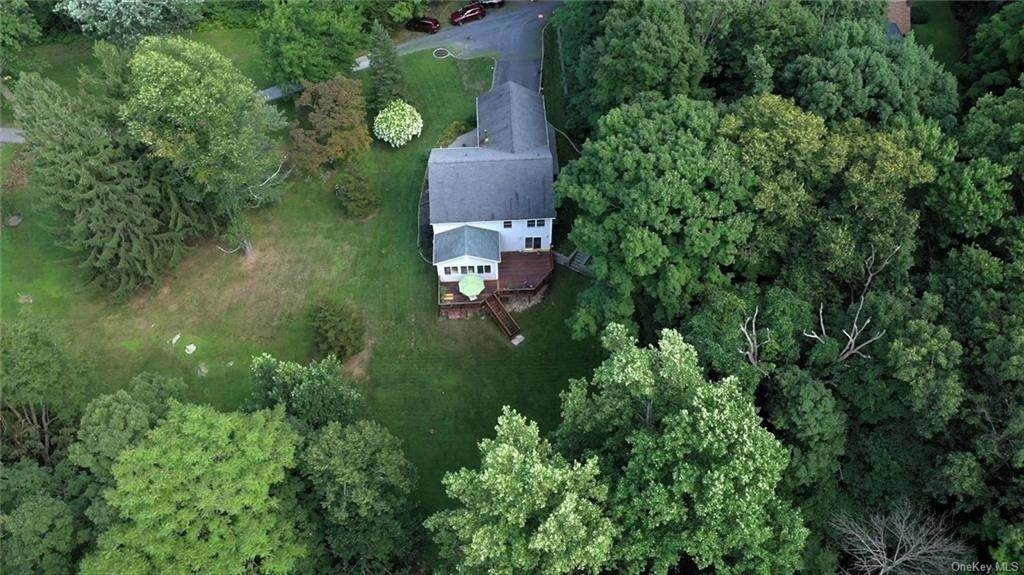 36. Residential for Sale at 11 Racoon Lane Cornwall, New York 12518 United States