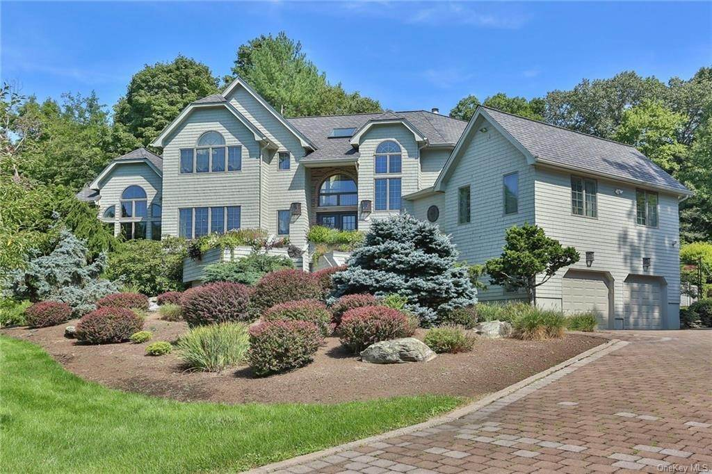 36. Residential for Sale at 649 S Mountain Road, Clarkstown, NY 10956 New City, New York 10956 United States