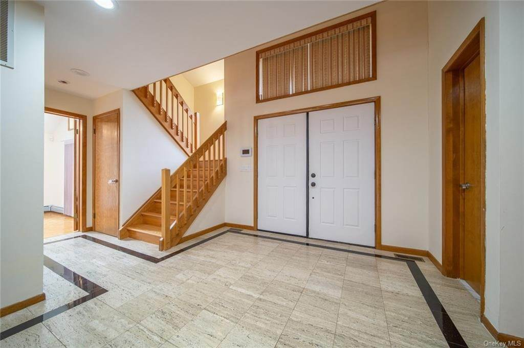 4. Residential for Sale at 4 Prior Court Palisades, New York 10964 United States