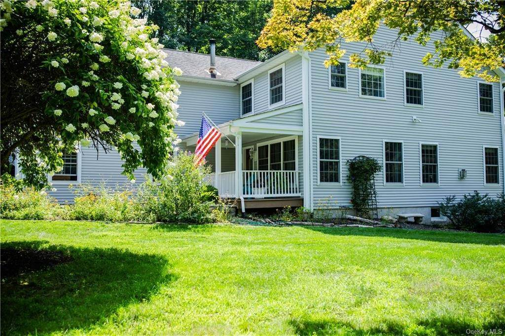4. Residential for Sale at 11 Racoon Lane Cornwall, New York 12518 United States