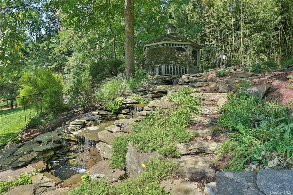 4. Residential for Sale at 649 S Mountain Road, Clarkstown, NY 10956 New City, New York 10956 United States