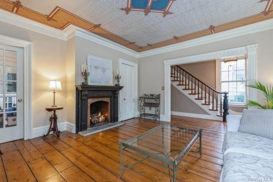 5. Residential for Sale at 7 Closter Road Palisades, New York 10964 United States