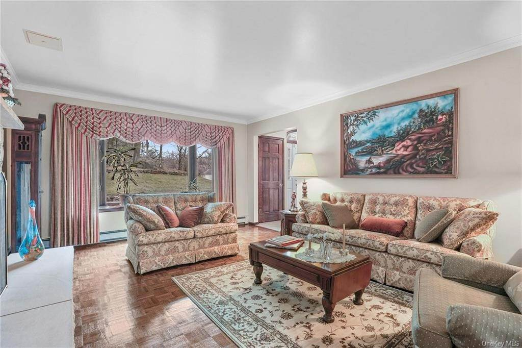 6. Residential for Sale at 5 Kelly Court, Stony Point, NY 10986 Tomkins Cove, New York 10986 United States