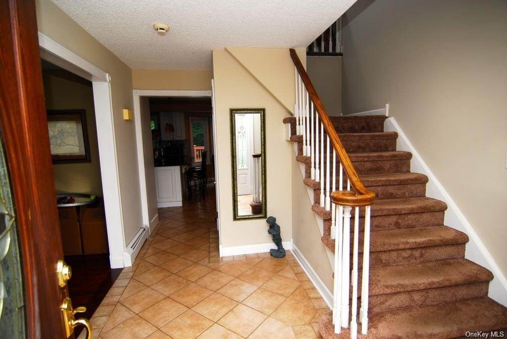 6. Residential for Sale at 411 White Oak Road Palisades, New York 10964 United States
