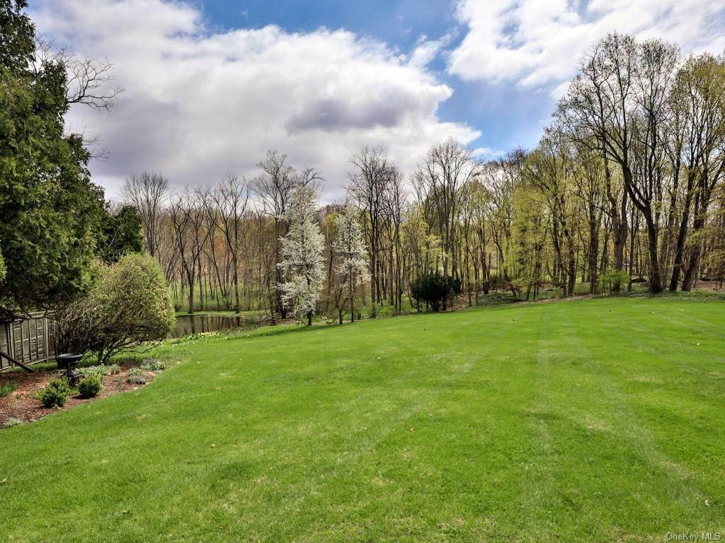 6. Residential for Sale at 34 Maple Avenue Warwick, New York 10990 United States
