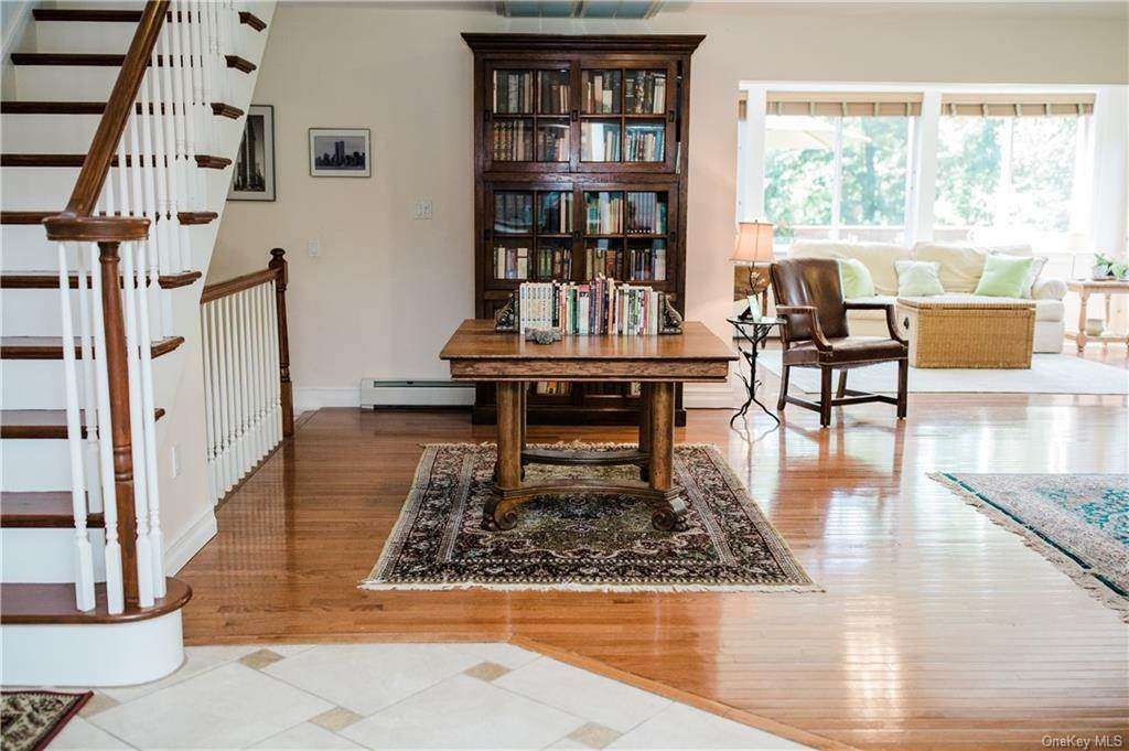 7. Residential for Sale at 11 Racoon Lane Cornwall, New York 12518 United States
