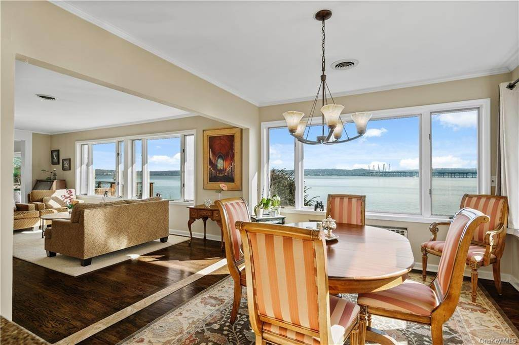 7. Residential for Sale at 5 Edgewater Lane Nyack, New York 10960 United States