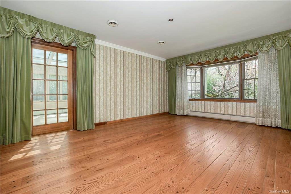 8. Residential for Sale at 1A Century Road Palisades, New York 10964 United States