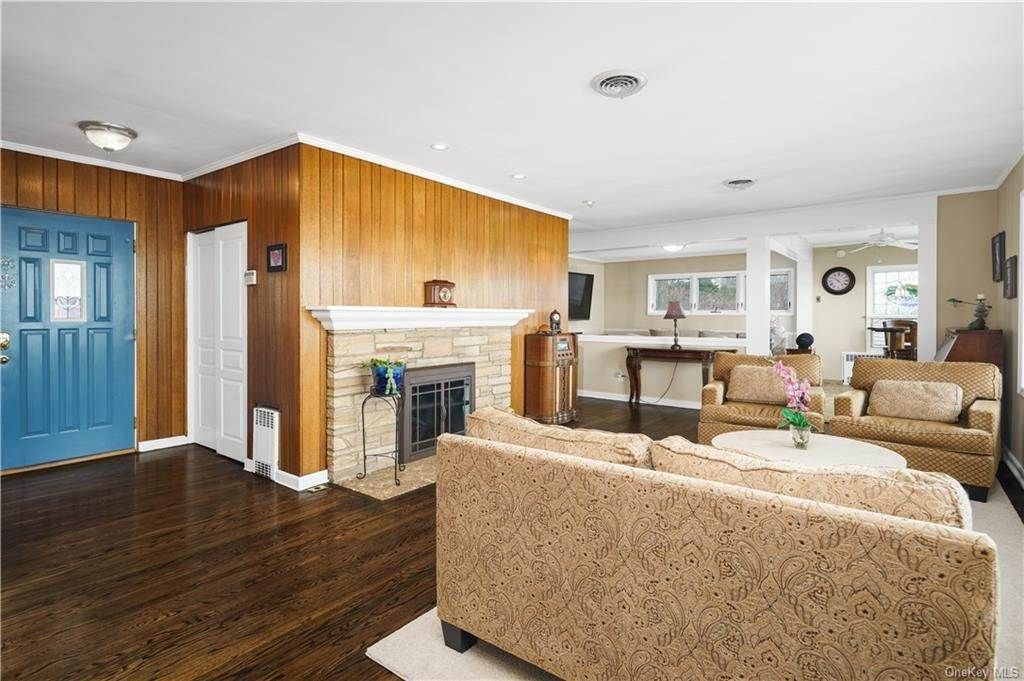 8. Residential for Sale at 5 Edgewater Lane Nyack, New York 10960 United States