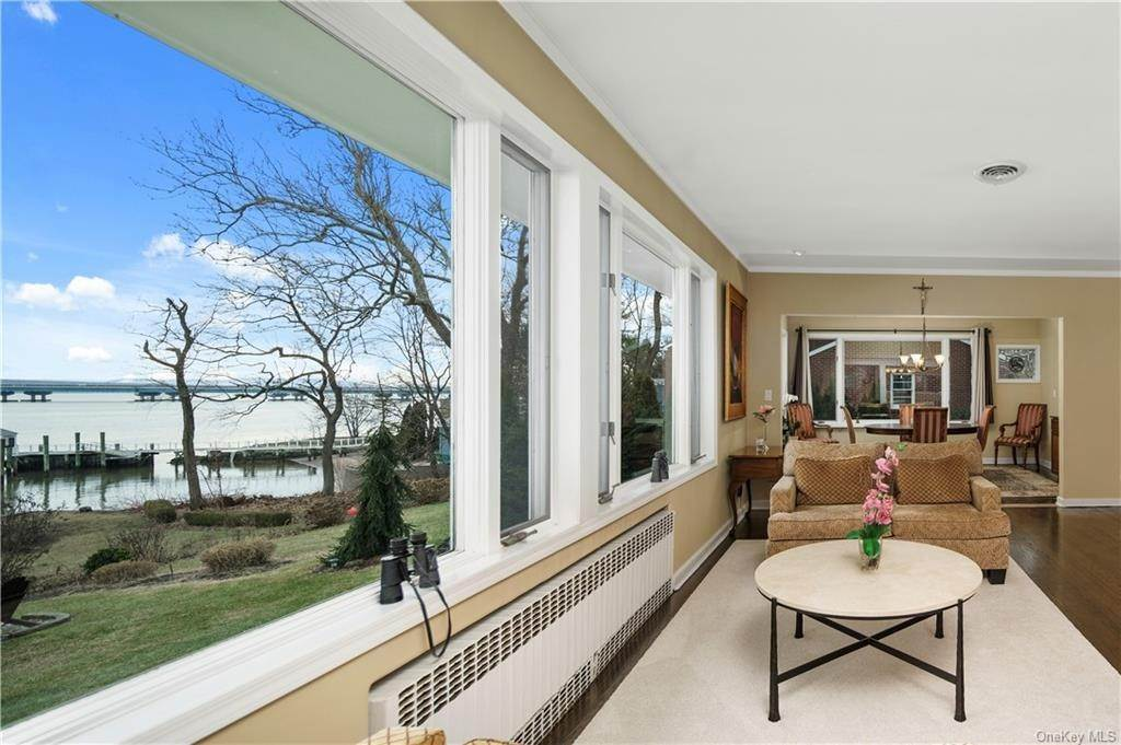 9. Residential for Sale at 5 Edgewater Lane Nyack, New York 10960 United States