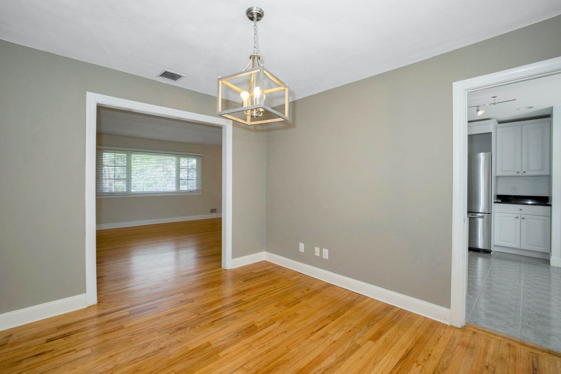 14. Single Family Homes for Sale at Location, Location, Location 514 North Broadway Upper Nyack, New York 10960 United States