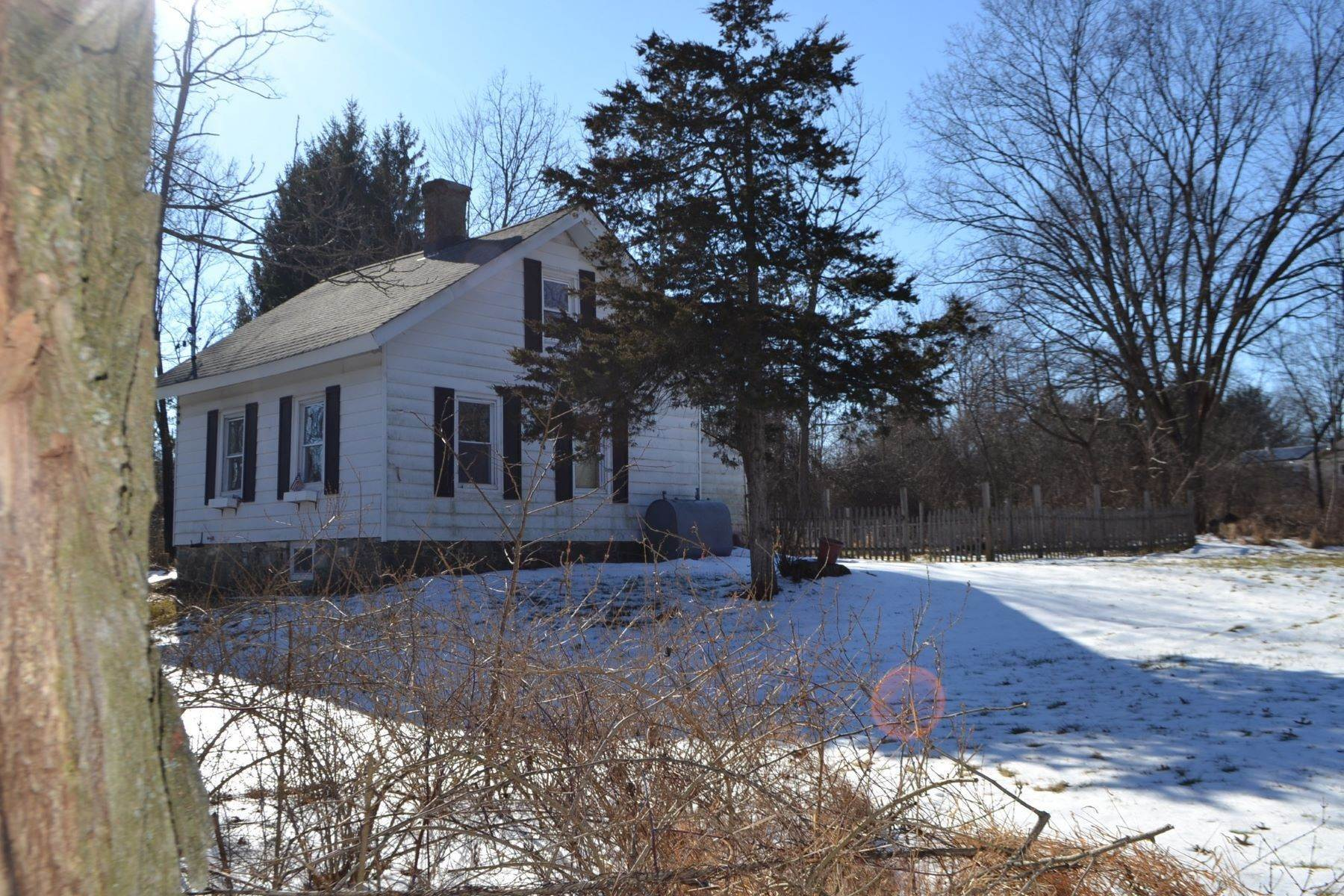 20. Single Family Homes for Sale at 'Clinton Cottage' 352 Bull Road Rock Tavern, New York 12575 United States