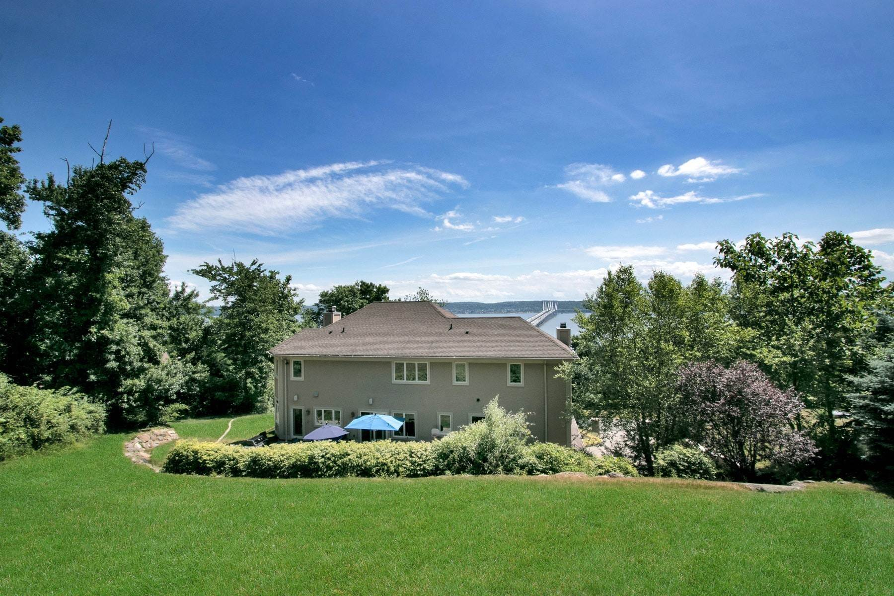 6. Single Family Homes for Sale at Majestic Hudson River Views 1098 Route 9W Upper Grandview, New York 10960 United States