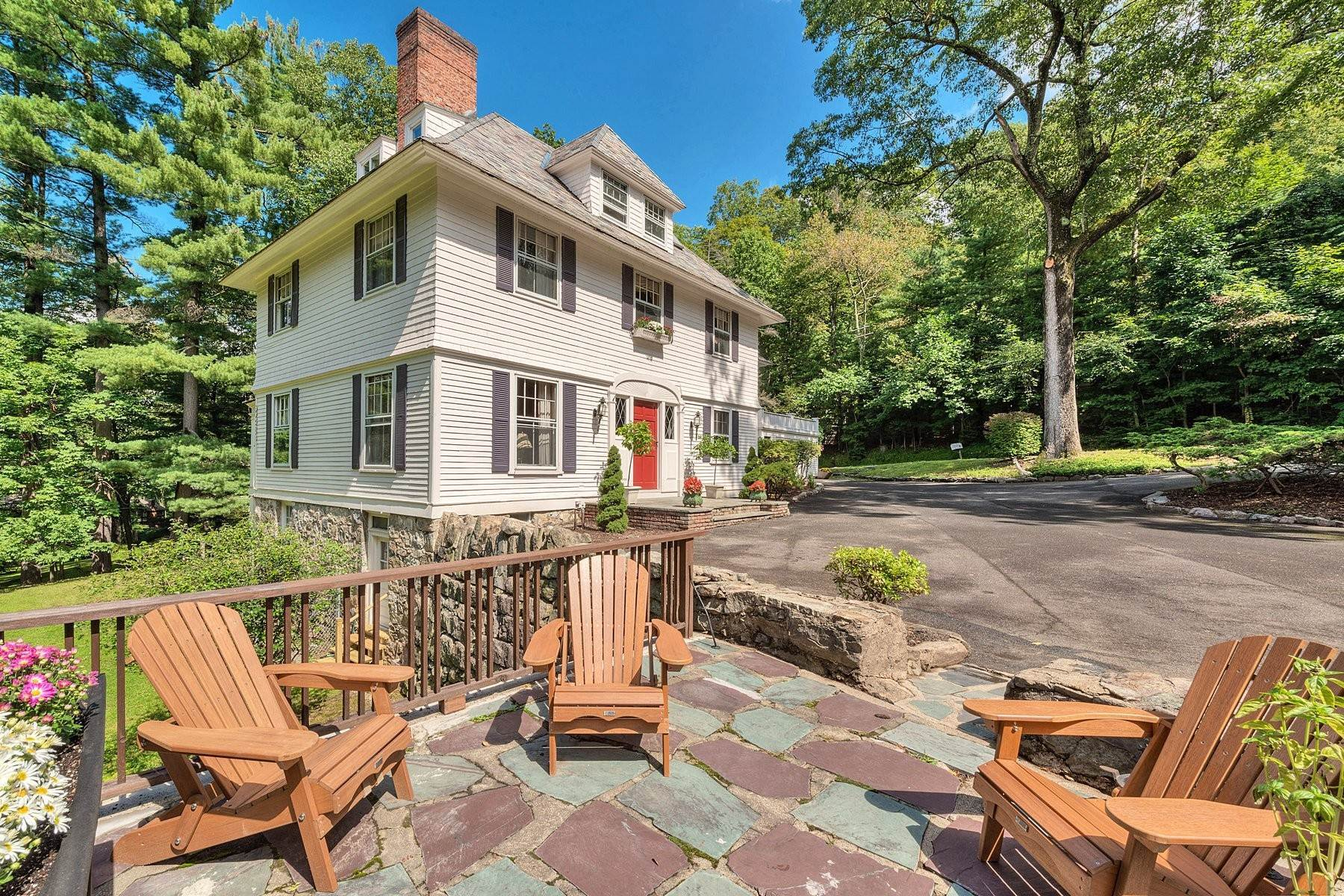 2. Single Family Homes for Sale at 'Horace Waldo Cottage' 160 Continental Road Tuxedo Park, New York 10987 United States