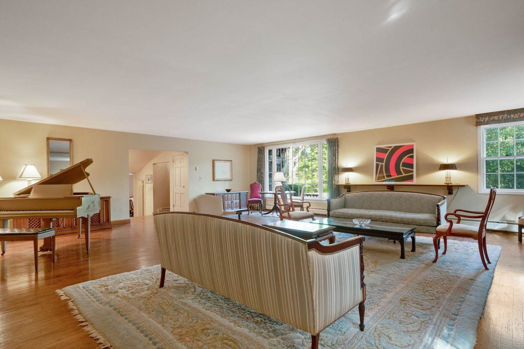 4. Single Family Homes for Sale at Mortimer Carriage House 32 Lookout Road Tuxedo Park, New York 10987 United States