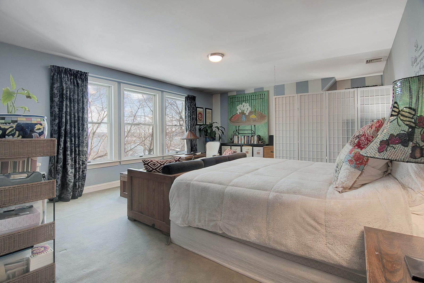 12. Single Family Homes for Sale at Colonial in Private Setting with Hudson River Views 50 Franklin Street Piermont, New York 10968 United States
