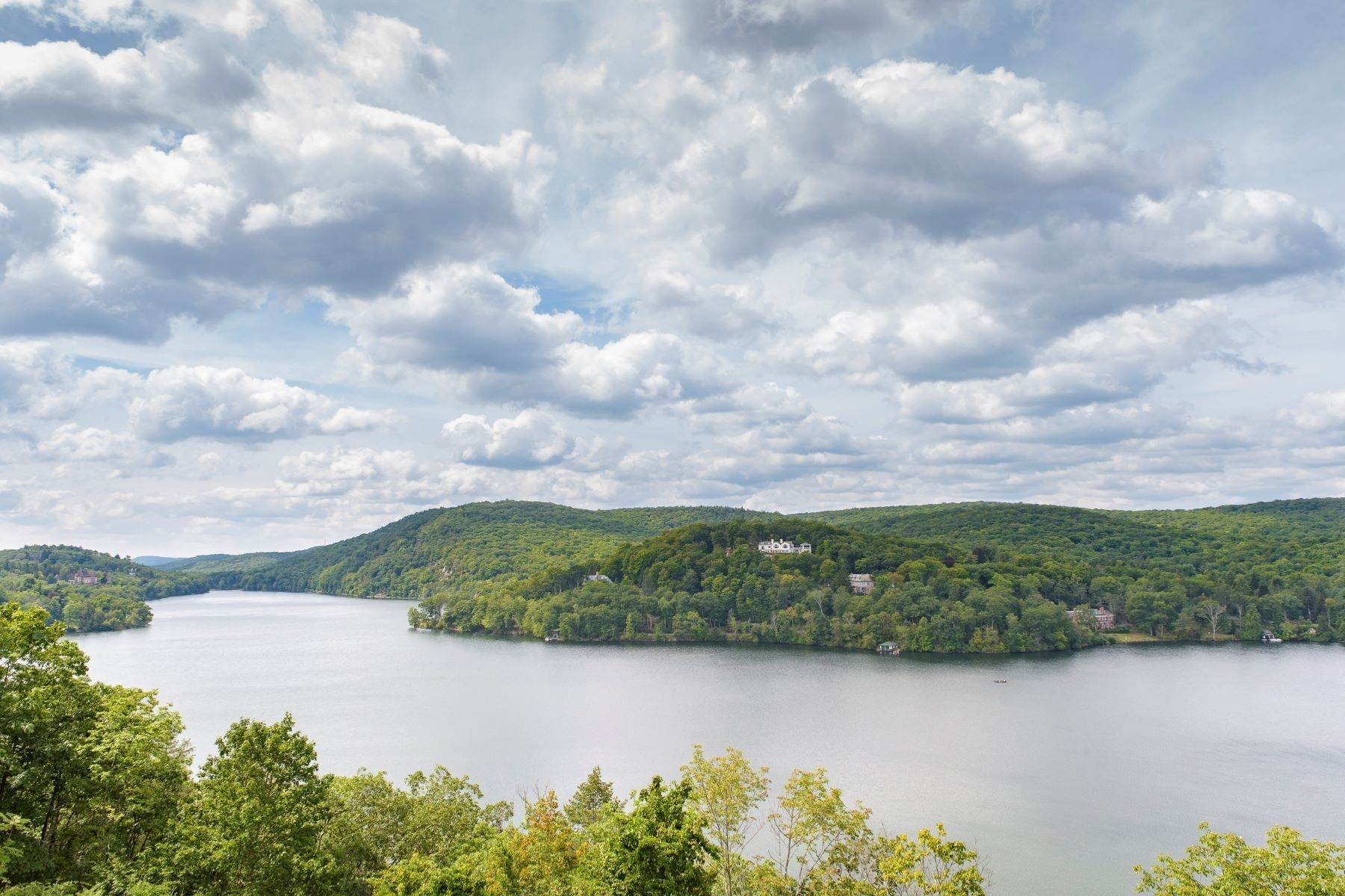 35. Single Family Homes for Sale at Four Seasons 57 Lookout Road Tuxedo Park, New York 10987 United States