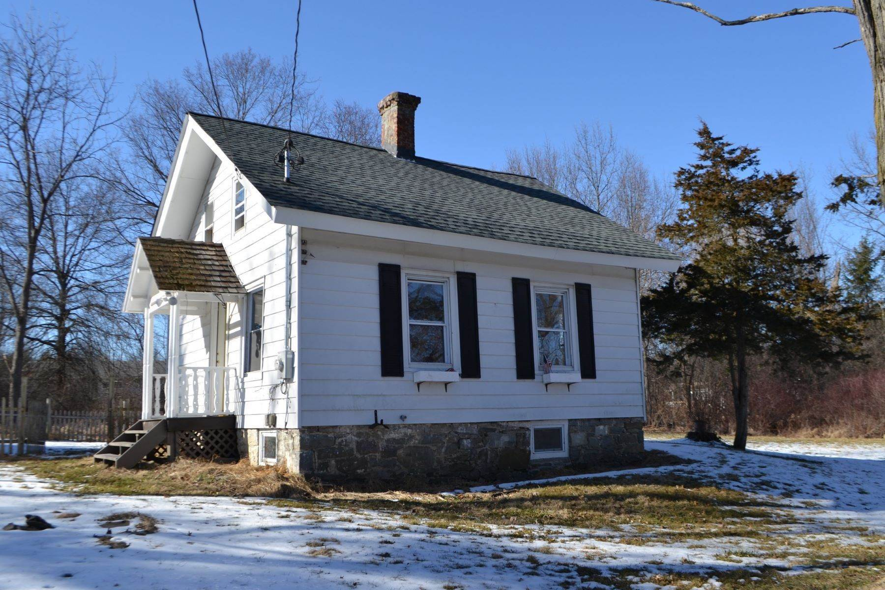 2. Single Family Homes for Sale at 'Clinton Cottage' 352 Bull Road Rock Tavern, New York 12575 United States